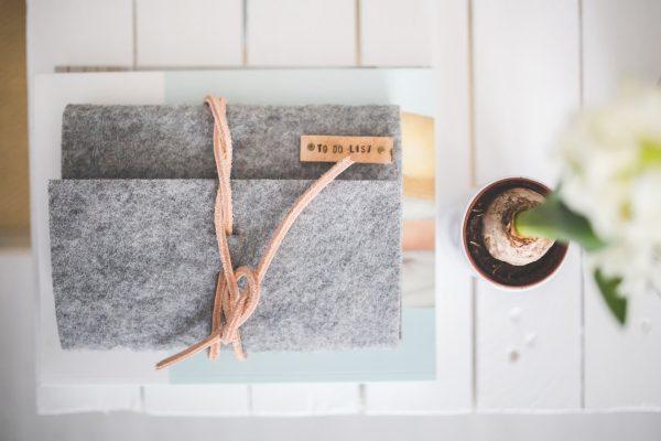desk-notebook-office-grey